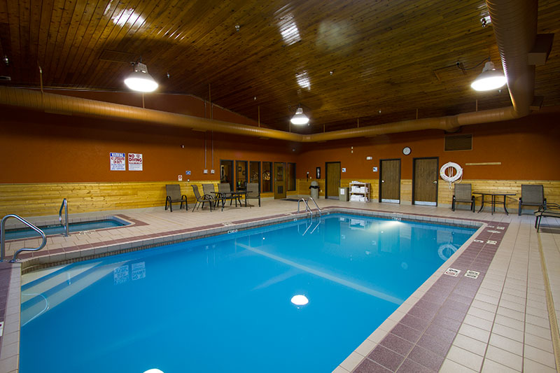 miles city hotel and suites swimming pool